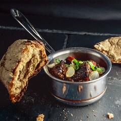 Boeuf Bourguignon (2 x 160g Carne + 2 x 90g Sos), Congelat, 500g - Otto Gourmet